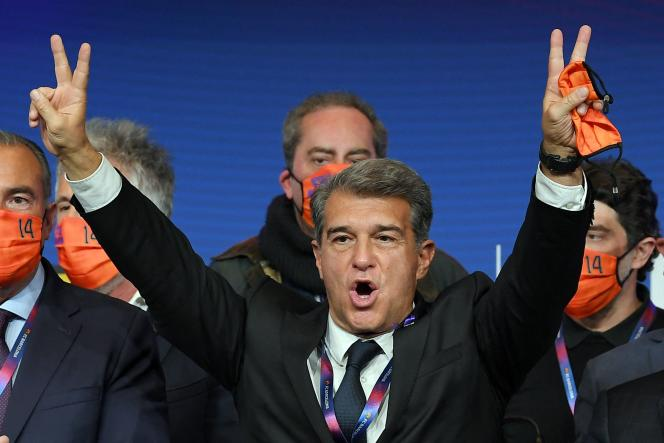 Joan Laporta celebrates his return to the presidency of Barcelona, ​​after his easy victory in the elections, Sunday (March 7th), in Barcelona.