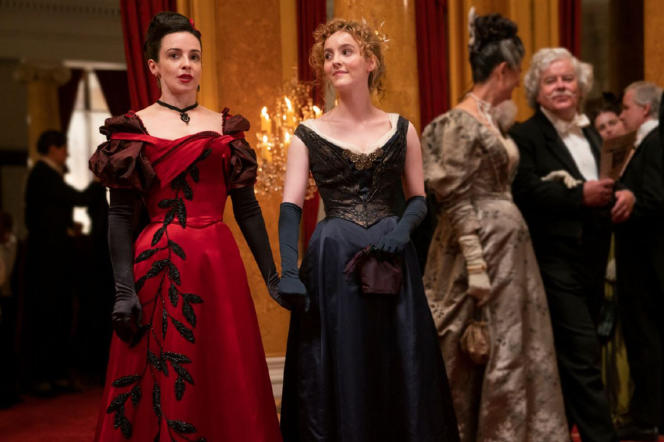 Amalia Tru (Laura Donnelly, left) and Penance Adair (Anne Skelly).