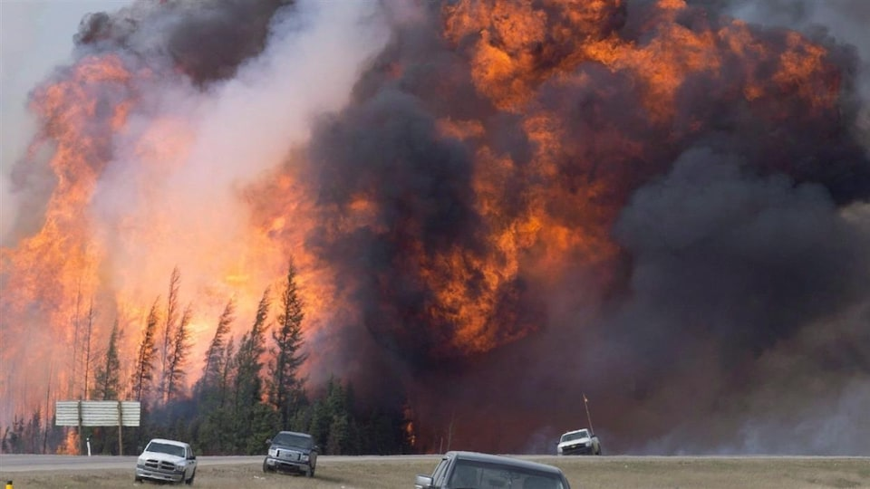 A massive wildfire near Interstate 63 in Fort McMurray.