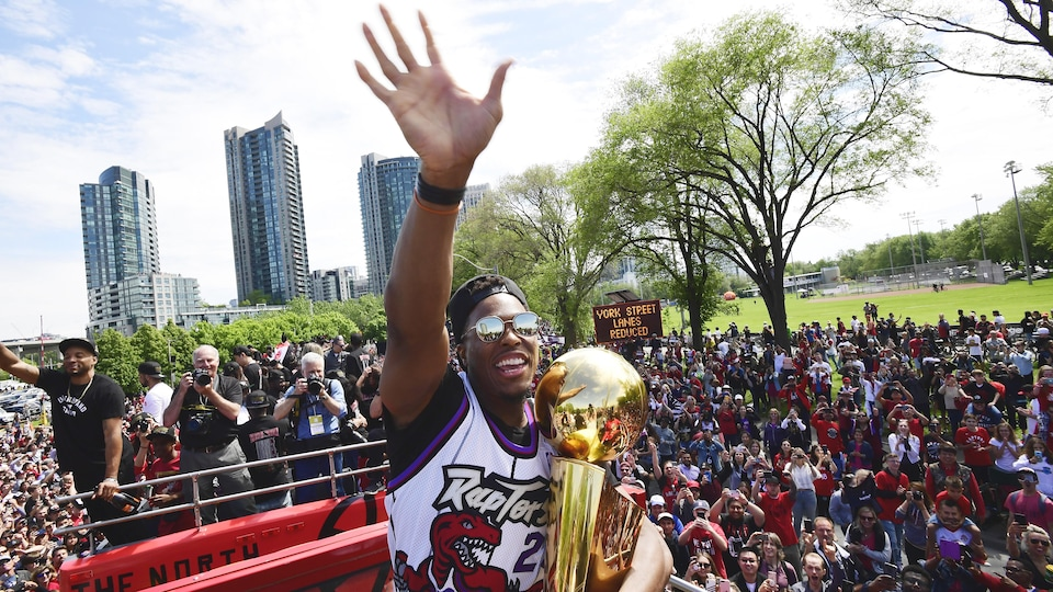 Kyle Lowry in a crowd at the Team Champions Parade 2019.